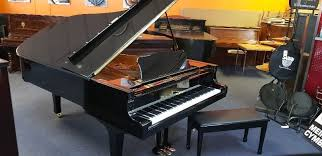 Piano Yamaha Ebony